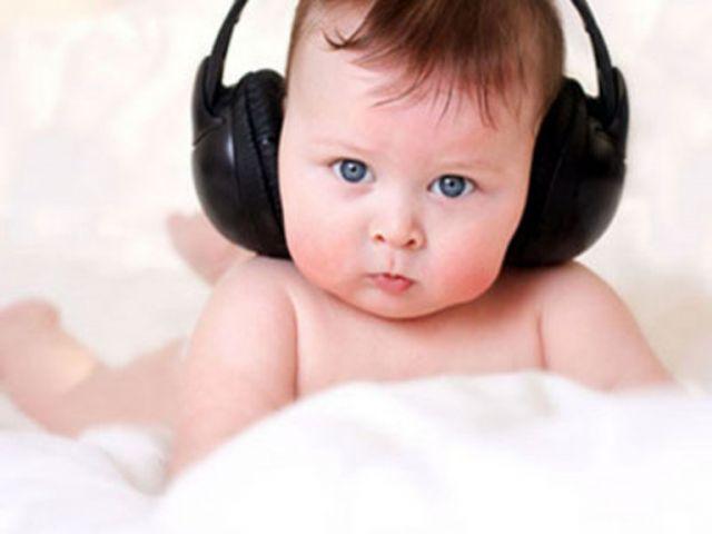 rol sluha v razvitie rebenka