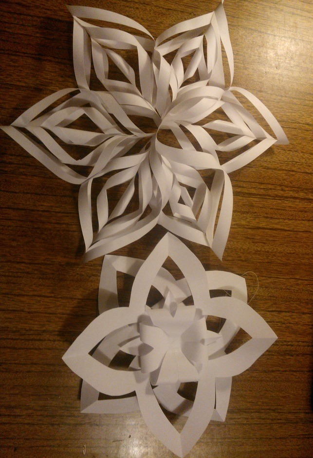 Как сделать большую объёмную снежинку из бумаги своими руками 31